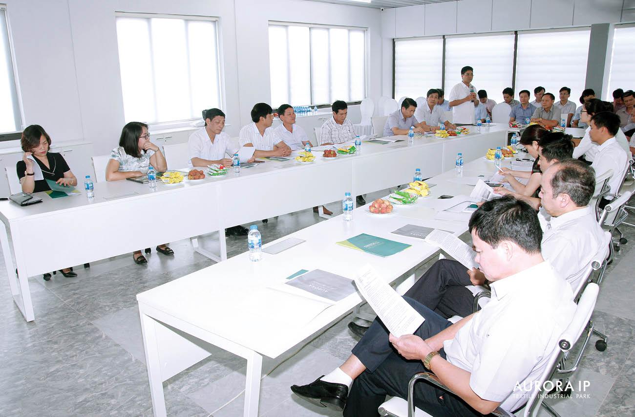Đại biểu HĐND Nam Định trao đổi với Đại diện Chủ đầu tư