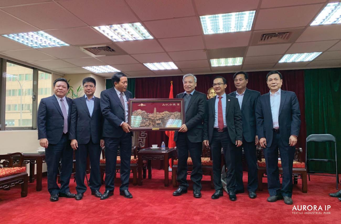 Tham dự Hội nghị xúc tiến đầu tư tại Đài Loan